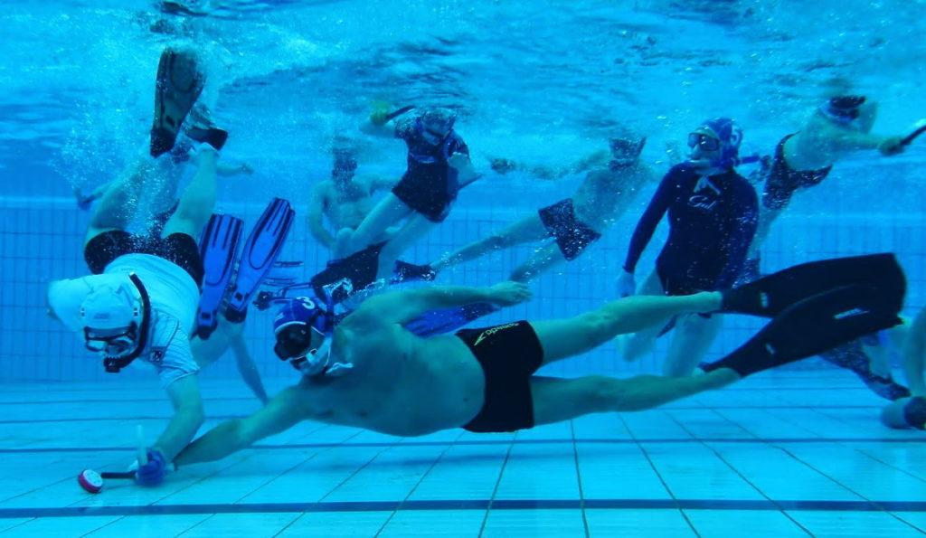 How to PlayUnderwater HockeyHow to PlayUnderwater Hockey
