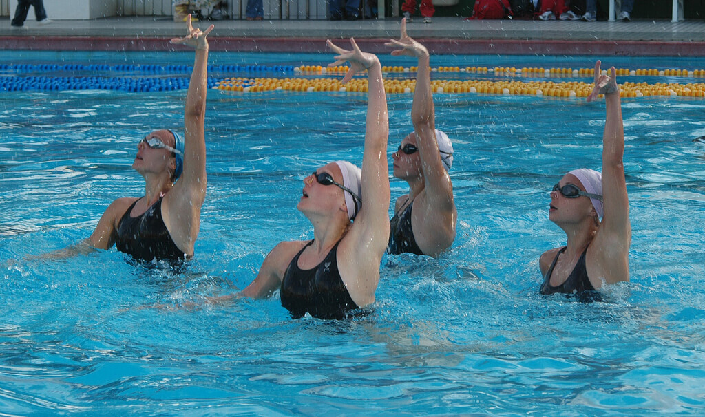 Synchronized_Swimming