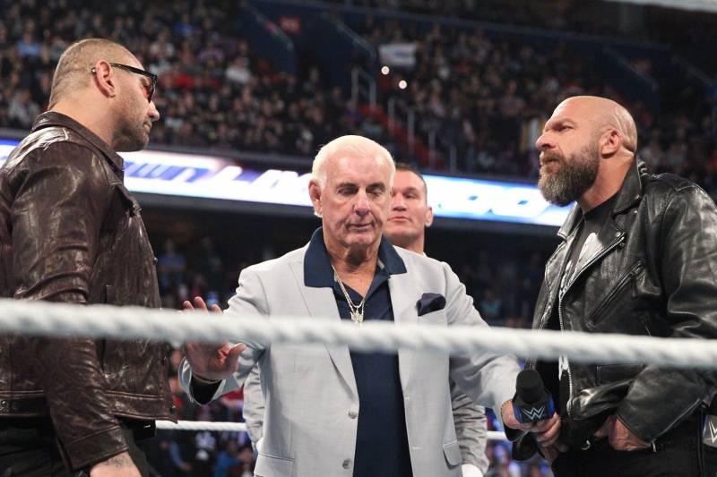 Triple H vs Dave Batista