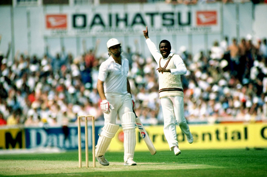 Malcolm Marshall after taking wicket of imran khan