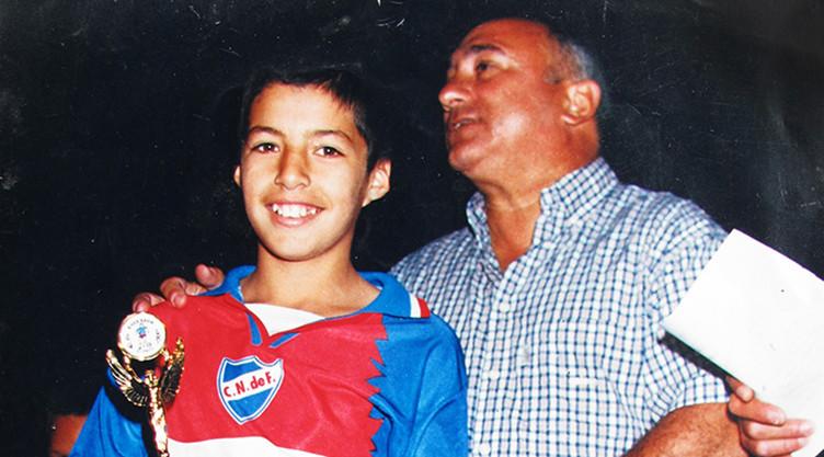 Luis Suarez Early Life