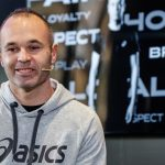 Andres Iniesta hits back on Barcelona board over the treatment of Valverde