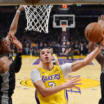 NBA- Los Angeles Lakers end two-game skid with a 113-129 win over Sacramento Kings