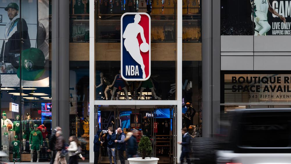 REPORTS: NBA Players to receive full salary paychecks till April 15