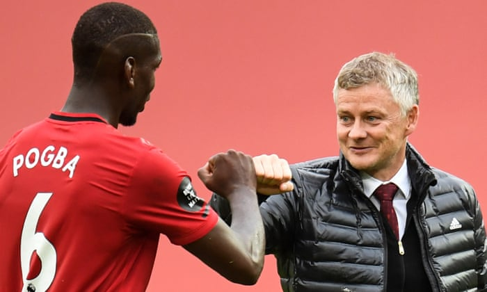 Manchester United looks to sign a new deal with midfielder Paul Pogba