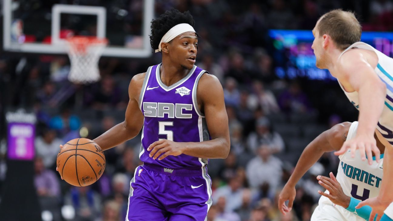 Sacramento Kings' De Aaron Fox out at least week after spraining ankle